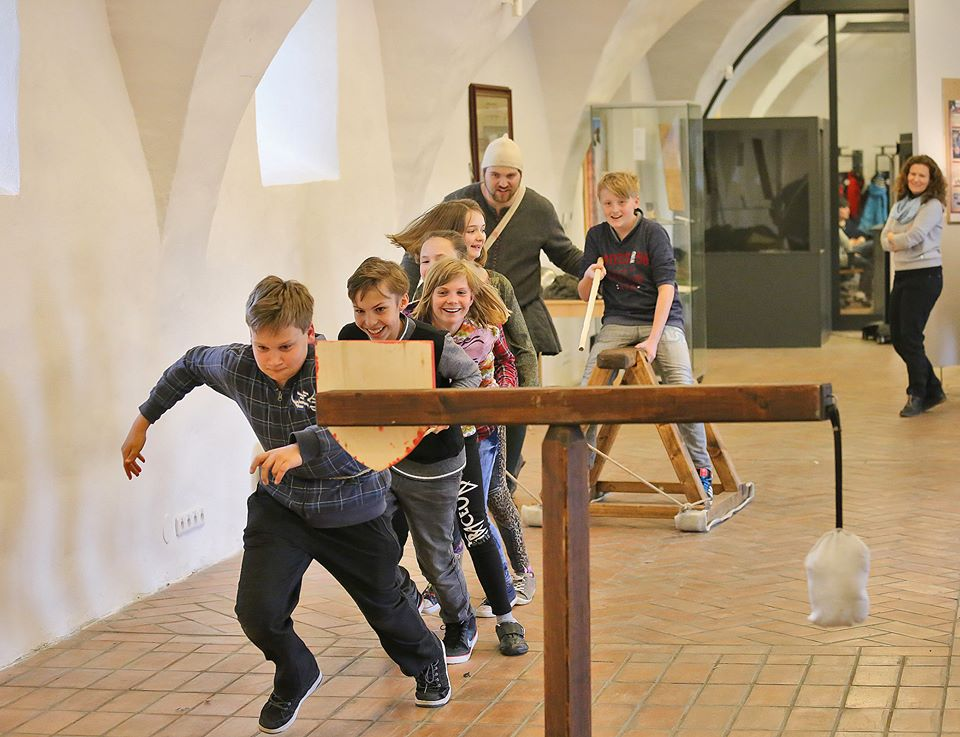 "Karel IV. v ""Living history"" do škol."